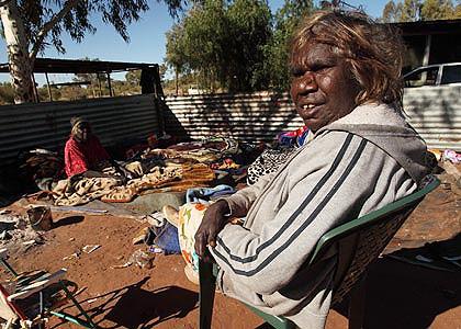 En stor del av bidragstagarna är aboriginer. Liksom indianfolk är de särskilt sårbara för alkohol. Foto: Twitter