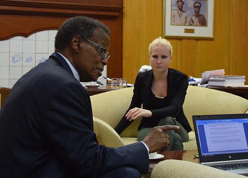 Nya Tider intervjuar zulu-kungen Mangosuthu Buthelezi. Foto: Nya Tider